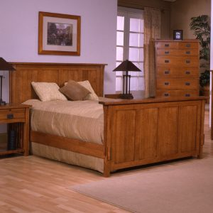 East King Panel Bed